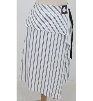 NWOT: M&S Marks & Spencer Collection Size: 14 White with black stripes wrap