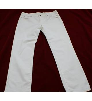 "Vintage Burberry Men's White Jeans - Size 34 Burberry - Size: 34"" - White - Jeans"