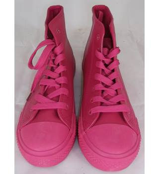NWOT Ideal Shoes - Size: 4 - Pink - Boots