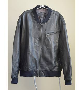 Beautifullly finished Trapper Black Leather Jacket Size XXL Trapper - Size: XXL - Black - Leather jacket