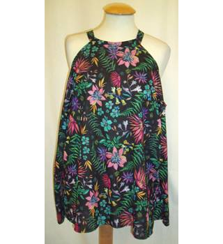 BNWT - Asos - Size 10 - Black with tropical floral pattern