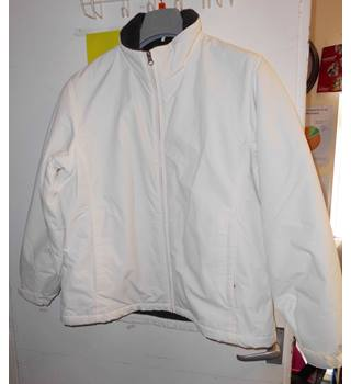 "Ladies Lands End ""Puffa"" style jacket size 10-12 LANDS END - Size: 10 - White - Jacket"