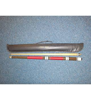 Donnay Pro Snooker/Pool Cue and carry case
