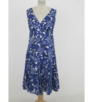 East: Size 8: Blue & white floral print dress