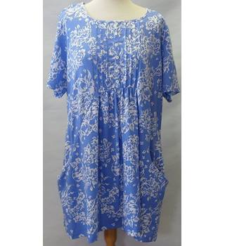 Country Rose Size Large Blue blouse