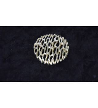 SARAH COVENTRY LARGE GOLD COLOURED BROOCH Sarah Coventry - Size: Large - Metallics