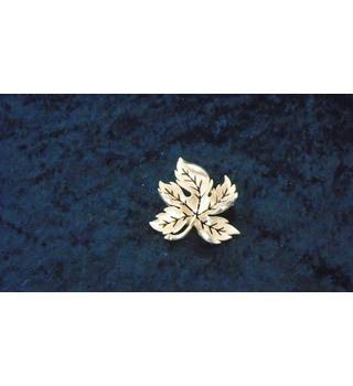 SARAH COVENTRY LEAF BROOCH GOLD-COLOURED Sarah Coventry - Size: Large - Metallics