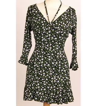 BNWT Missguided - Size: 8 -Black with White and Green Floral Dress