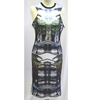 Topshop - Size: 12 - Black, Blue and Green Tropical Patterned  Knee Length Dress