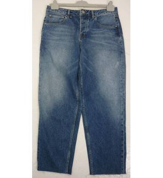 "Wishne  Size: M, 34"" W, 28"" L, regular fit Denim Blue Mid Wash Casual/Work Cotton Tapered Leg  Jeans"