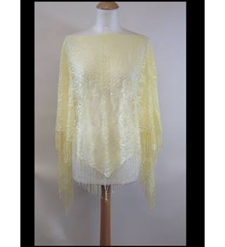 Brand new New Look one size Poncho in Pale Yellow New Look - Size: One size: regular - Yellow