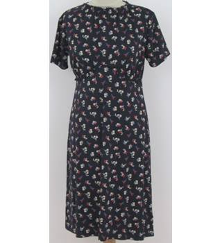 NWOT: M&S Size 10: Navy blue with floral print dress