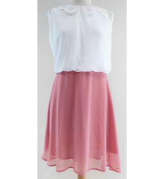 BNWT Max Size M White and pink knee length dress