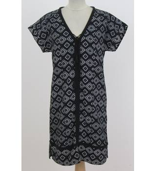 NWOT: M&S size 8 Regular:  Black and white Loose fit tunic dress