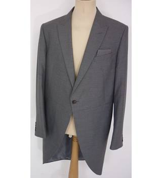 "M & S  Size: L, 42"" chest, tailored fit  Grey Stylish/Smart ""Occasion"" Polyester & Viscose Tailcoat Suit Jacket"