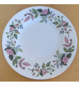 Wedgwood Hathaway Rose 8'' Plate