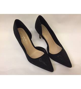 "Kurt Geiger for Carvela Black High Heel ""Gin"" Pump, Size 39"