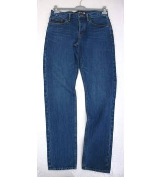 "BNWoT Lands' End  Size: M, 32"" W, 33"" L, slim fitting Mid Wash Denim Blue Casual/Work Cotton Tapered Leg Jeans"