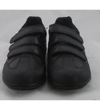 NWOT M&S School, size 2/34.5 black leather trainer style shoes