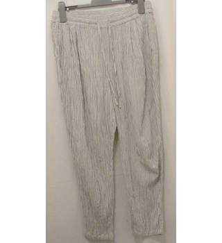 M&S Marks & Spencer Collection - Size: 12R - White/black pinstripe trousers