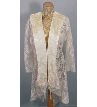 Fabulous Lace & Beaded Size 16 Cream Bridal Jacket