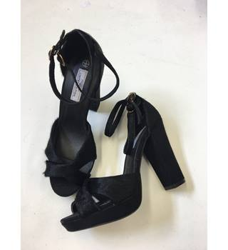 "Limited Edition Real Leather and ""Pony Hear"" Platform Sandals New Look - Size: 5 - Black - Sandals"