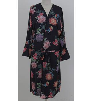 NWOT: M&S Limited Edition: Size 8: Purple floral mix Kimono dressing gown