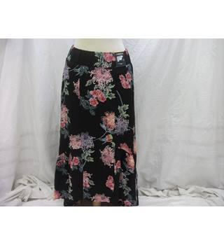NEW M&S Medi Skirt - Size: 10 - Black