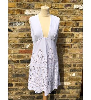 Stella McCartney Aline broderie anglaise cotton mini dress Vacation White Stella McCartney - Size: S - White - Knee length dress