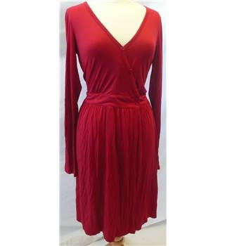 French Connection - Size: 12 - Red - Ladies' Knee length dress