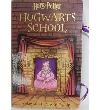 Harry Potter Hogwarts School: A Magical 3-D Carousel Pop-Up