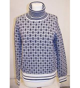 Gant - Size: L - Navy and Cream Jumper