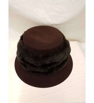 Whiteley Brown Faux Fur Hat Whiteley - Size: Not specified - Brown