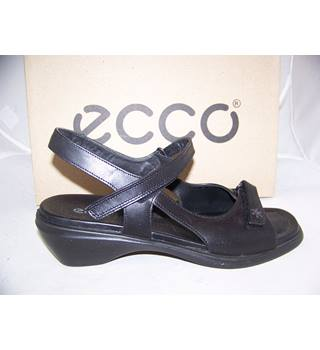 ecco - Size: 7 - Black - Sandals