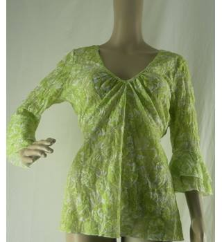 Per Una Size: 12 Green and White Floral Blouse