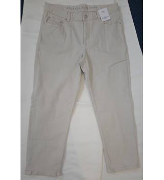 BNWT M&S Collection Womens Fawn Natural Relaxed Slim Crop Mid Rise Regular Jeans Size: 14