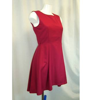 Vivi Boutique - Size: S - Red - Sleeveless