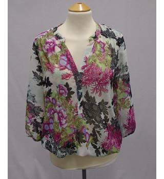Wallis - Size S - Pink and Green Floral Top