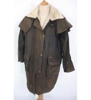 "Driza-Bone Size: M, 5, 41"" chest, short length Deluxe Brown Country/Equestrian Treated Cotton Riding Coat With Wool Pile Liner"