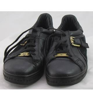 Louis Vuitton, size 7/40 black leather and suede trainers