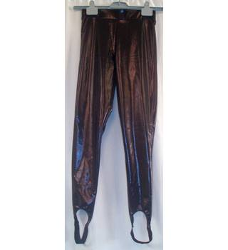 BNWT Petites - Miss Selfridges Size S  Black PVC stretch Ski pants with elasticated stirrups and waistband.