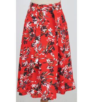NWOT M&S Collection, size 16 red black & white mix floral skirt