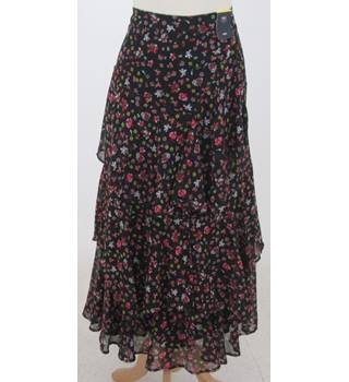 NWOT M&S Collection, size 14L black & red mix floral tiered maxi skirt