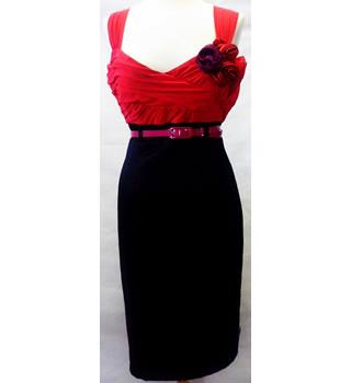 BNWT Star by Julien Macdonald size 14 red and black dress