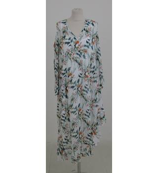 NWOT M&S Size:10 white floral summer dress