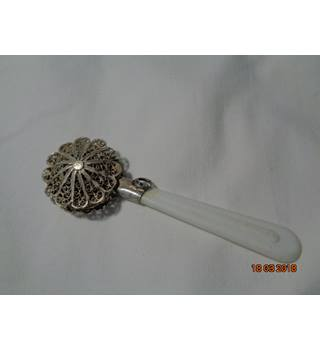 WONDERFUL VINTAGE STERLING FILLIGREE BABY RATTLE WITH BELL ENCASED WITHIN THE FILIGREED SILVER 1920 UNBRANDED