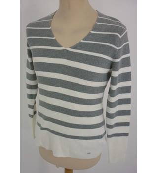 "Tommy Hilfiger  Size:  L, 37"" chest Cream & Grey Stripes  Casual/Stylish  Cotton V Neck Long Sleeve Jumper"