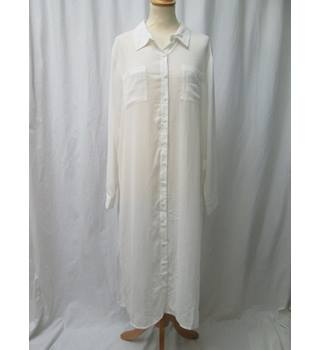 M - Size: 16 - Cream crepe tunic - Long sleeved shirt