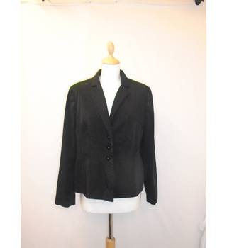 M&S - Size 16 - Short length Smart Black Blazer M&S Marks & Spencer - Size: 16 - Black - Smart jacket / coat