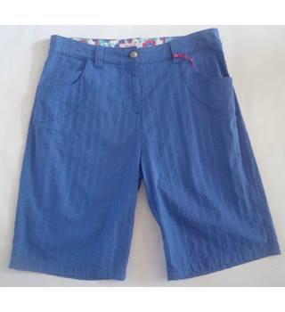BNWT Per Una size 16 Blue Knee Length trousers
